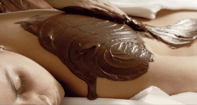 Uovo di Pasqua? Per te una maschera antirughe idratante con cioccolato, yogurt e miele