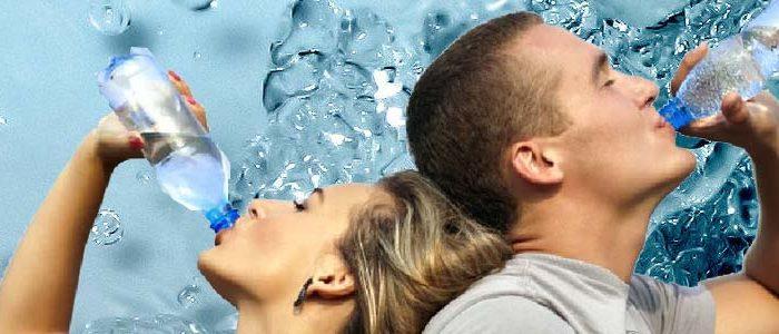 Acqua. L'importanza dell'idratazione e le regole fondamentali.